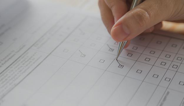 Spannende Ausbildungen im Bürmanagement und als Fachinformatiker